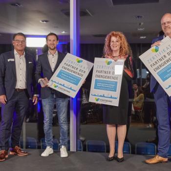 """Stuttgarter Kickers, Konzept-e und Landesapothekerverband sind """"Partner der Energiewende"""" in Stuttgart"""